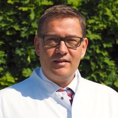 Dr. med. Dennis Bösch